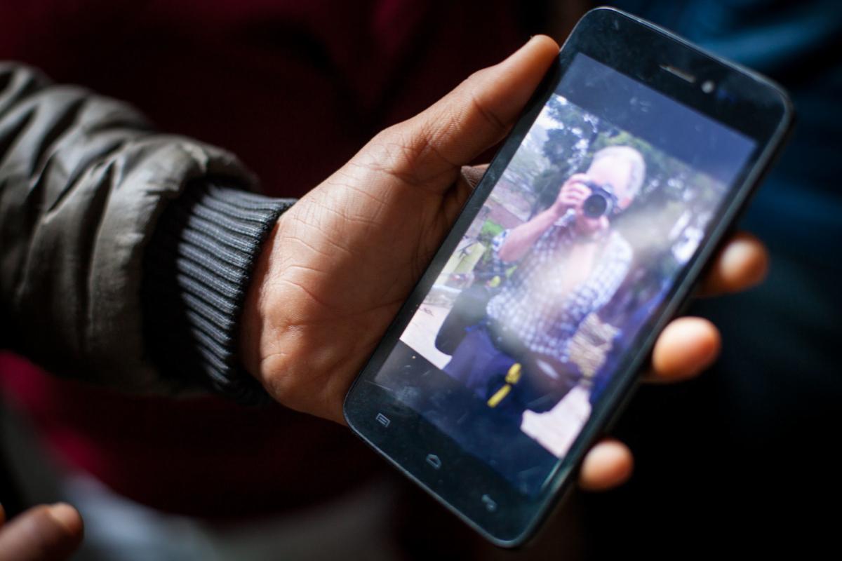 Mobile phones, India, ©Crispin Hughes